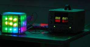 LED 魔術方塊與電源供應器